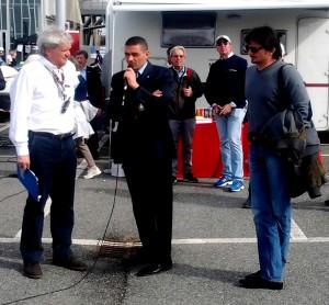 Massimo Gioggia (a sinistra) intervista il sindaco di Santhià Angelo Cappuccio